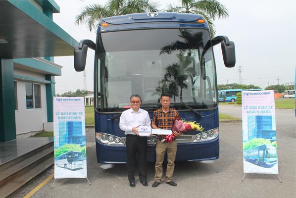 Daewoo Bus Việt Nam bàn giao xe giường nằm Daewoo BX212 cho khách hàng Phạm Ngọc Duy