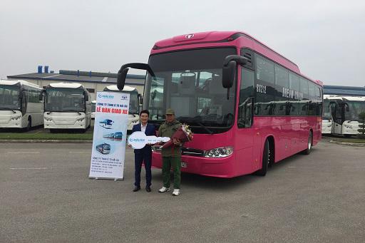 Công ty ô tô Hải Âu – Đại lý ủy quyền của Daewoo Bus Việt Nam bàn giao lô 02 xe giường nằm BX212